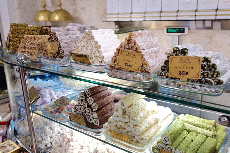 トルコイスタンブールの伝統的なスイーツ(お菓子)「ロクム(ターキッシュ・デライト)」