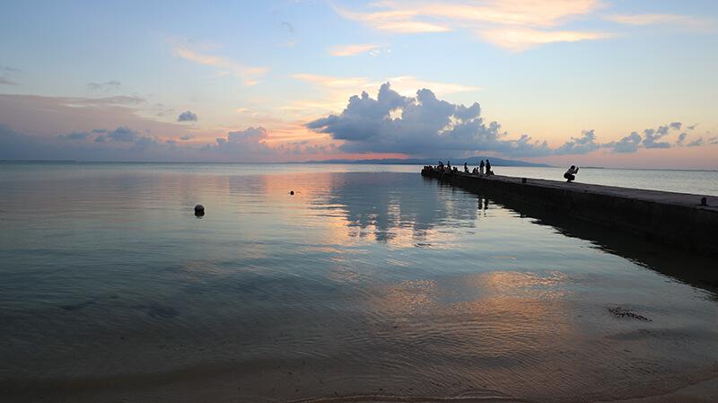 沖縄の八重山諸島、石垣島の離島、竹富島、西桟橋のサンセット、観光、ツアー、水牛、星のや、民宿